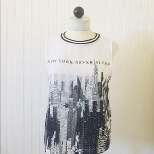 BERSHKA-NEW YORK NEVER SLEEP TOP- M